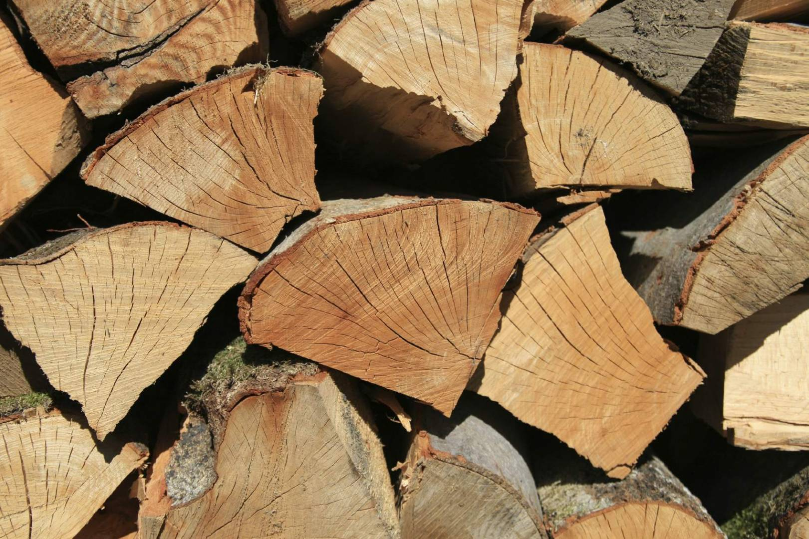 seasoned logs, seasoned softwood logs, softwood, seasoned firewood, weymouth, portland, dorchester, free delivery, bulk loose loads, high quality