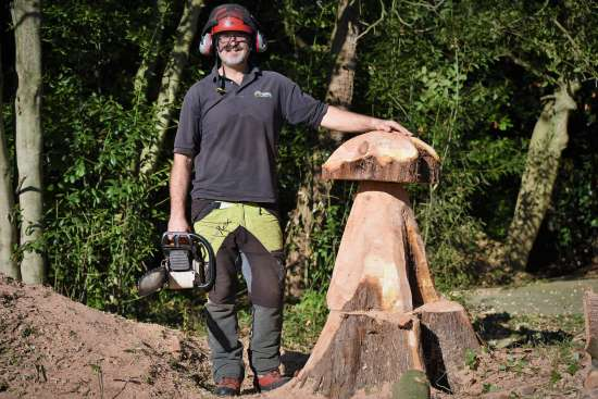 dale culbreth, the boss, managing director, mushroom carving, carved mushroom, upcycling, tree carving, wood carving